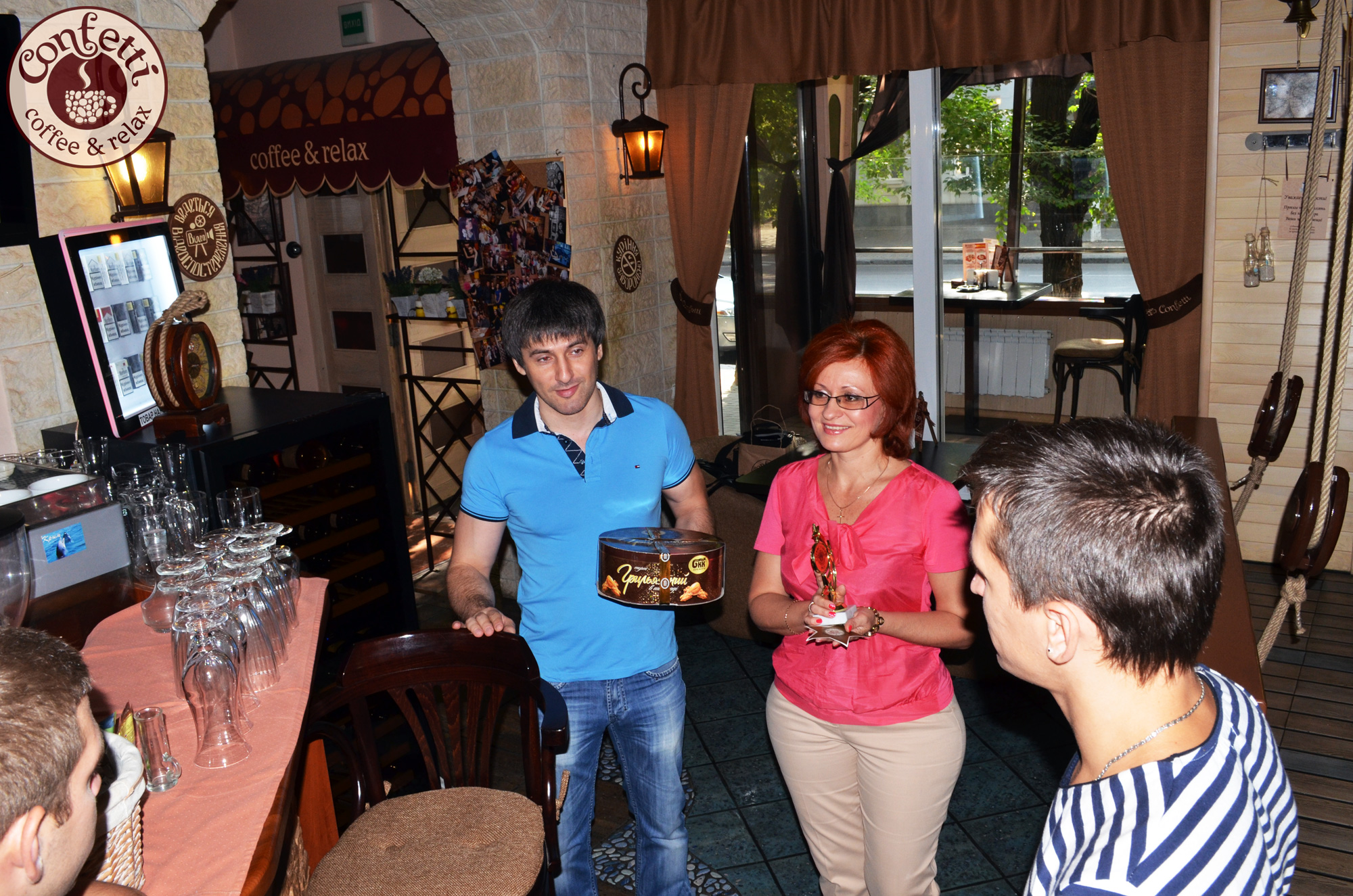 Confetti на Гагарина, 24 –лучший ресторан месяца сети ресторанов Confetti!