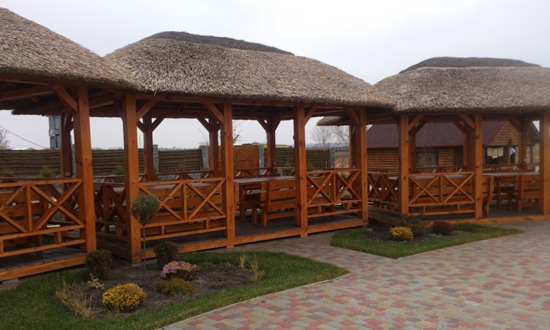 Загородный комплекс «Макоротники»