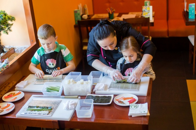 «Сушия» запустила мастер-классы японской кухни для взрослых и детей!