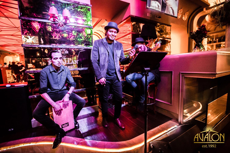 «Remol's cover band» в лаунж-баре «Avalon»